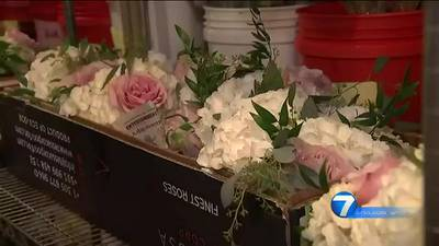 Centerville florist helps brides who say their florist no-showed on their wedding day