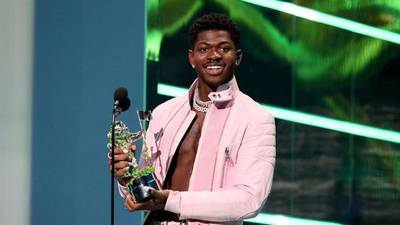 Lil Nas X covers Dolly Parton's hit 'Jolene'