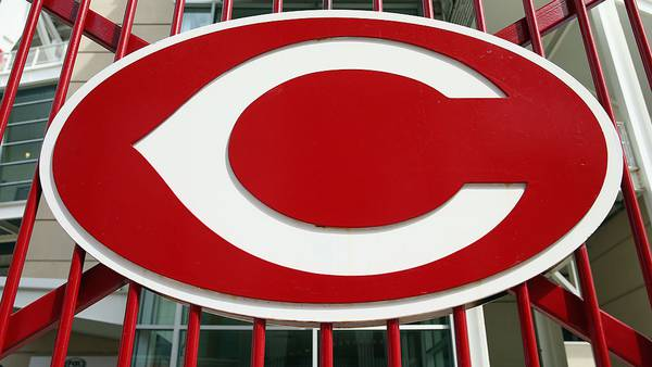 Reds head into Cubs series